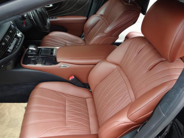 LS500h エグゼクティブ 法人1オーナー車 リアエンター後席モニター 限定オプションL-アニリン本革シート  純正オプション20インチAWブラック仕様 ローダウン マークレビンソン オートトランク ヘッドアップディスプレイ(57枚目)
