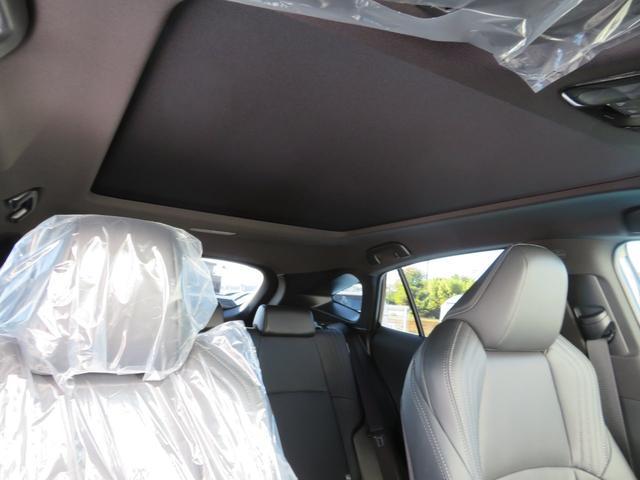 Z レザーパッケージ 登録済未使用車 T-ConnectSDナビTV 調光パノラマルーフ おくだけ充電 純正19AW インナーミラー パワーバックドア トヨタセーフティセンス 保証書取説完備(42枚目)