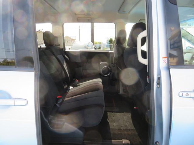 G ナビパッケージ 4WD JAOSマッドガード シートヒーター 純正HDDナビ フルセグTV ミュージックサーバー フロント&サイド&バックカメラ ETC パドルシフト 両側パワースライド キセノン タイミングチェーン(16枚目)