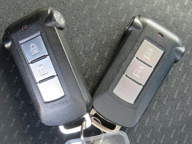 G ナビパッケージ 4WD JAOSマッドガード シートヒーター 純正HDDナビ フルセグTV ミュージックサーバー フロント&サイド&バックカメラ ETC パドルシフト 両側パワースライド キセノン タイミングチェーン(40枚目)