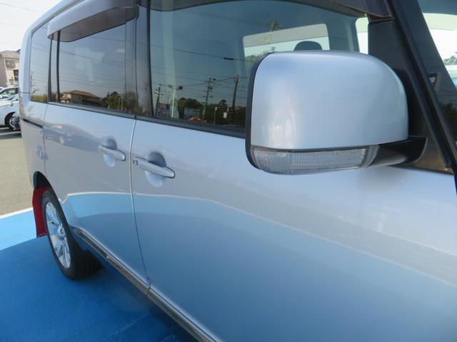G ナビパッケージ 4WD JAOSマッドガード シートヒーター 純正HDDナビ フルセグTV ミュージックサーバー フロント&サイド&バックカメラ ETC パドルシフト 両側パワースライド キセノン タイミングチェーン(45枚目)