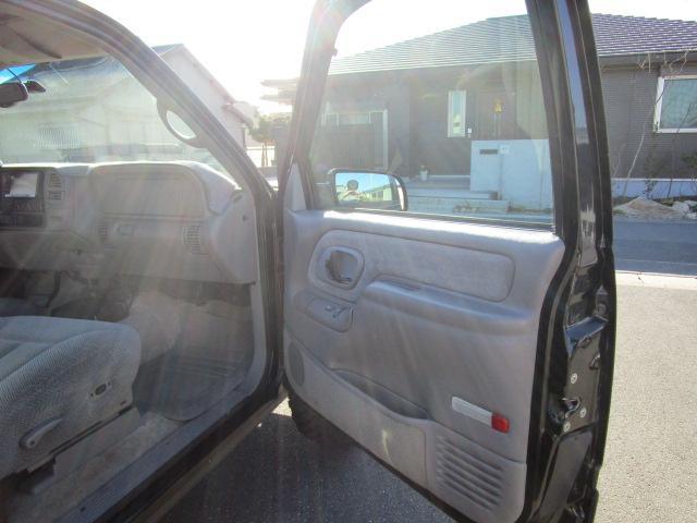 「シボレー」「シボレー タホスポーツ」「SUV・クロカン」「静岡県」の中古車12