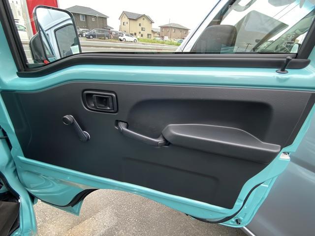 スタンダードSAIIIt 2WD AT ABS LEDヘッドランプ SRSエアバッグ エアコン AMFMラジオ パワステ UVカットガラス(フロントウィンドウ)(11枚目)