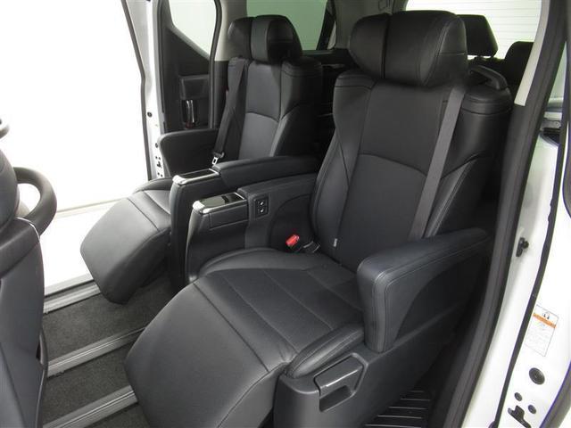 2.5S Cパッケージ ワンオーナー 電動シート 安全装備 衝突被害軽減システム 横滑り防止機能 ABS エアバッグ オートクルーズコントロール 盗難防止装置 バックカメラ 後席モニター ETC ミュージックプレイヤー接続可(9枚目)