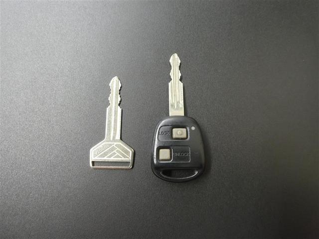 S ベンチシート キーレスエントリー ワンセグナビ CD再生付き ワンオーナー車マニュアルエアコン ABS付き エアバック付き(18枚目)