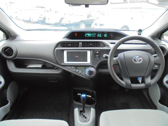 トヨタ アクア L 純正SDナビ バックカメラ ABS 電動格納ミラー