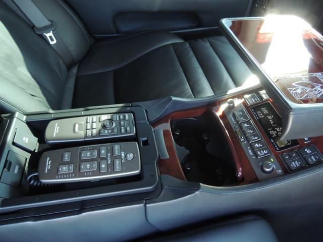 LS600hL後席セパレートシートパッケージ WALDエアロ(12枚目)