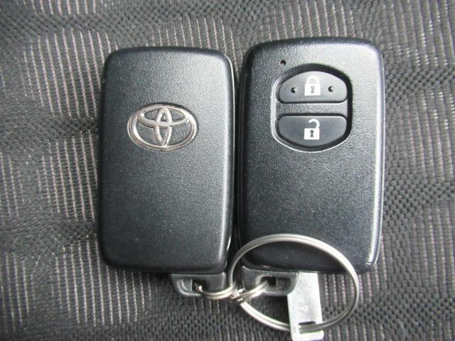 トヨタ iQ 100G ETC タイミングチェーン インテリキー HID