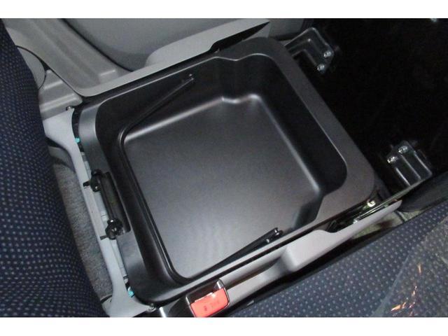 ★鍵をバッグに入れたままでもドアノブのボタン一つで車の鍵の開け閉めができる、便利なスマートキー★