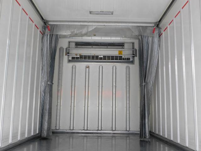2.95t冷蔵冷凍車ワイドロングハイブリット(6枚目)