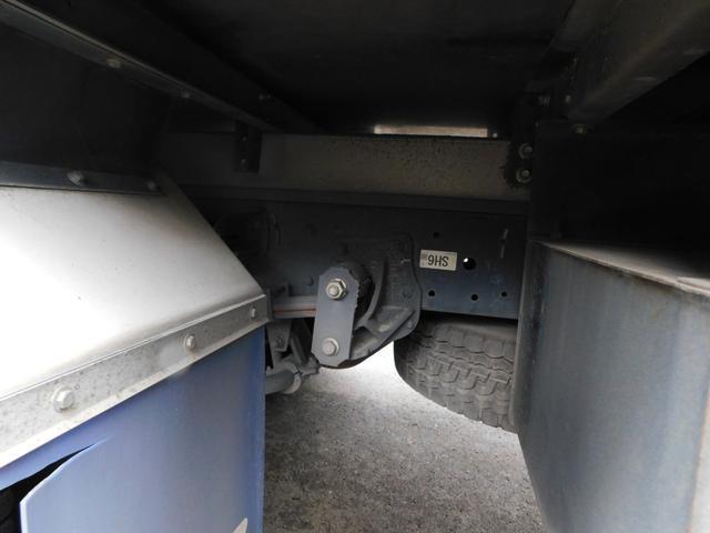 2.95t冷蔵冷凍車ワイドロングハイブリット(7枚目)