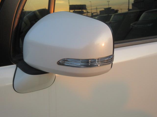 X /1年保証付 車検令和4年1月 社外14インチアルミ 運転席パワーシート ウィンカーミラー オートエアコン タコメーター 電動格納ミラー レベライザー(41枚目)