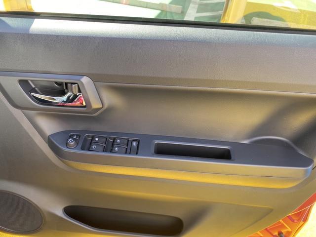 X SAIII 14インチフルホイールキャップ LEDヘッドランプ 電動格納式(カラード)ドアミラー 自発光式デジタルメーターブルーイルミネーションメーター マニュアルエアコン(ダイヤル式) キーレスエントリー(19枚目)