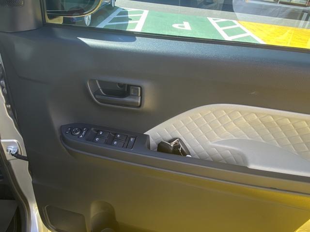 X 14インチフルホイールキャップ フルLEDヘッドランプ オート格納式カラードドアミラー TFTカラーマルチインフォメーションディスプレイ マルチインフォメーションディスプレイ フルファブリックシート(25枚目)
