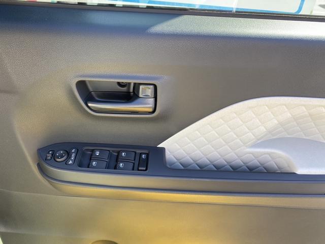 X 14インチフルホイールキャップ フルLEDヘッドランプ オート格納式カラードドアミラー TFTカラーマルチインフォメーションディスプレイ マルチインフォメーションディスプレイ フルファビリックシート(24枚目)