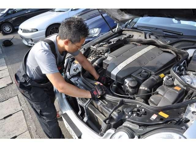 当店は【ただ安いだけの店】と価格で勝負しません。しっかりと整備され、安心で価値のあるお車のみを適正価格でご案内致します。ご購入後のアフターサービスもお任せください。
