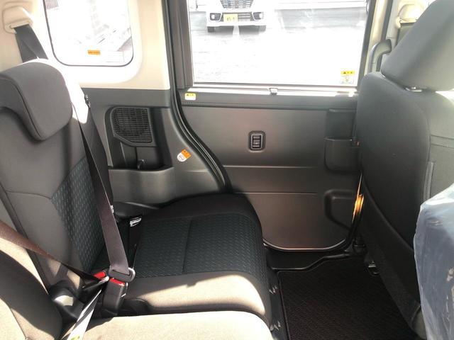 カスタムG 衝突被害軽減ブレーキ 両側電動スライドドア LEDヘッドライト 360度パノラマモニター シートヒーター ステアリングリモコン オートクルーズコントロール プッシュスタート フリーキー 登録済未使用車(15枚目)