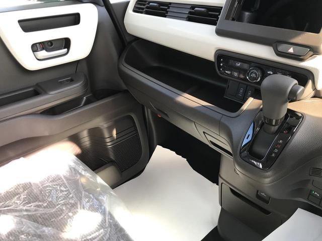 L 衝突被害軽減ブレーキ 左側電動スライドドア LEDヘッドライト バックカメラ ステアリングリモコン オートクルーズコントロール シートヒーター プッシュスタート フリーキー 届出済未使用車(17枚目)