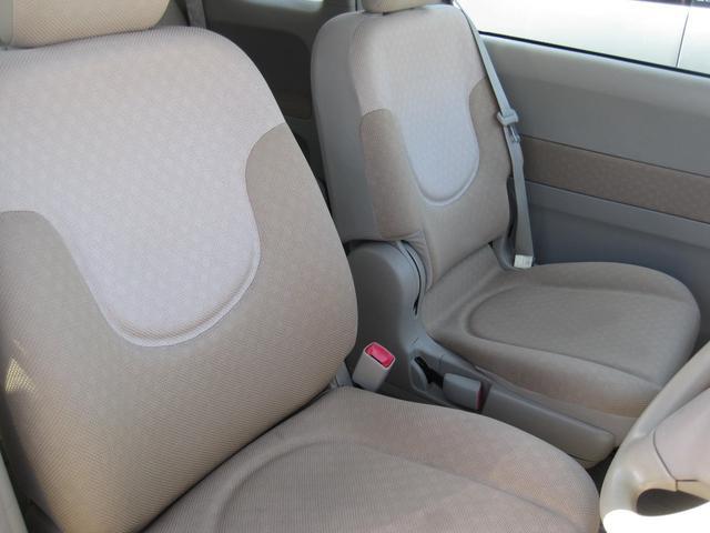 運転席のシートです。