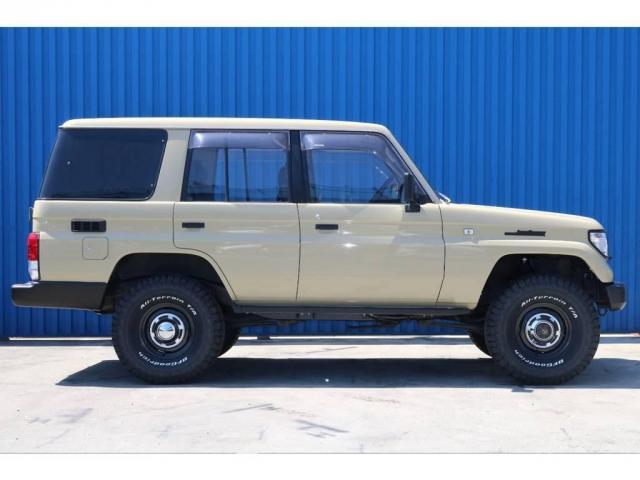 2WD、4WD切り替え式のパートタイムの4WDとなります。