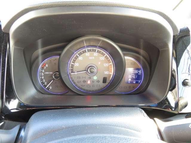 G・ターボパッケージ ナビ リアカメラ CD DVD再生 フルセグTV オート付HIDヘッドライト HIDフォグ ハーフレザー パドルシフト クルーズコントロール スマートキー オートエアコン USB ETC 14アルミ(12枚目)