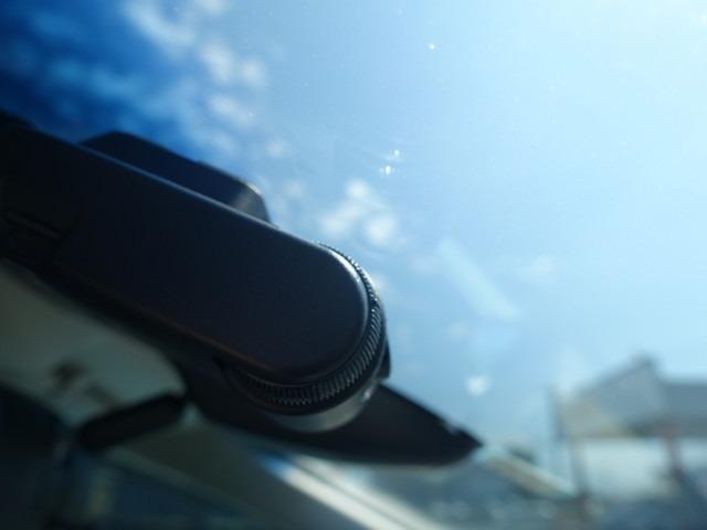 ハイブリッドアブソルート・ホンダセンシング ギャザズメモリーナビ ETC フルセグ TV リアカメラ 7人乗り ホンダセンシング パワーシート スマートキー LEDライト 両側電動スライドドア 後席モニター 純正アルミ オートライト ドラレコ(18枚目)