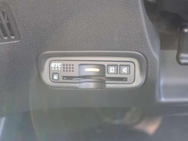 RS・ホンダセンシング 元当社デモカー ギャザズメモリーナビ ETC フルセグ リアカメラ ホンダセンシング シートヒーター スマートキー LEDライト 純正アルミ オートライト ドラレコ USB端子付(18枚目)