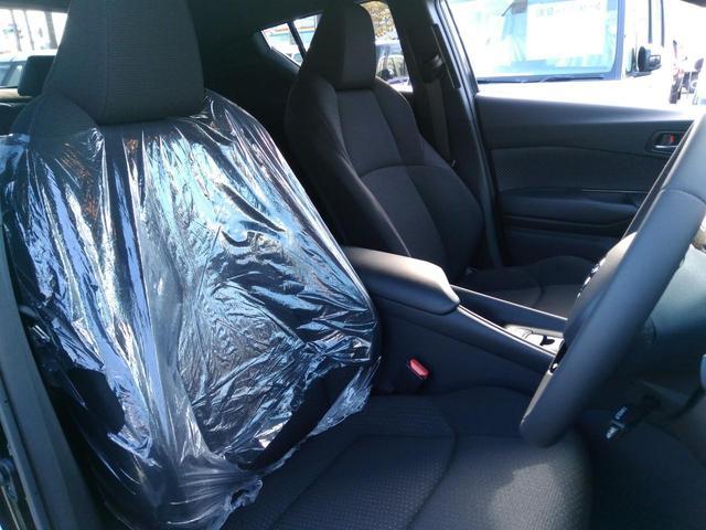 トヨタ C-HR S-T LEDパッケージ 新車 現行型 LEDヘッド 禁煙車