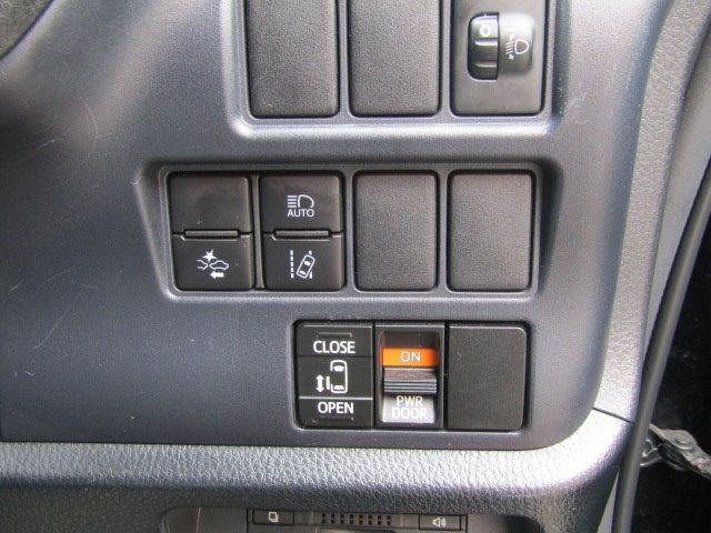 X Cパッケージ 1年保証付 車検令和3年8月迄 パワースライドドア SDナビ 禁煙 ETC 8人乗 CD再生 オートライト キーレス オートエアコン 電格ミラー 3列シート ウォークスルー タイミングチェーン(8枚目)