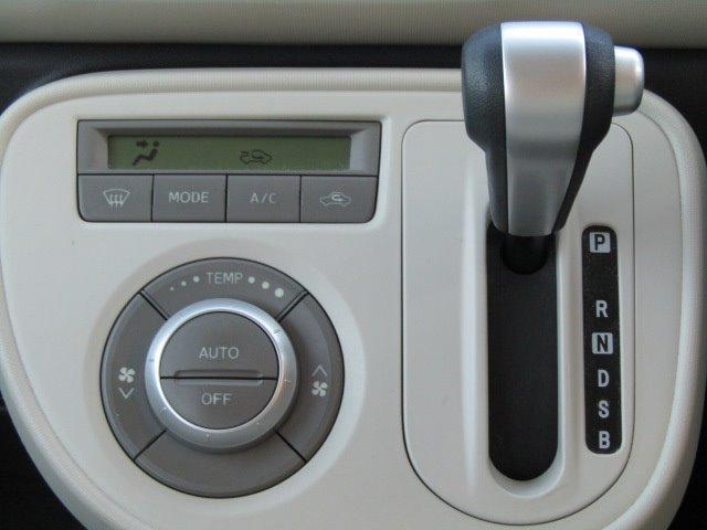 ココアX 1年保証付 盗難防止システム 走行81千km CD再生 電格ミラー オートエアコン タイミングチェーン ベンチシート ABS パワーステアリング 運転席・助手席エアバック エアコン ライトレベライザー(8枚目)