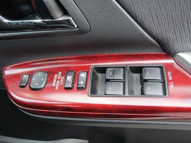350S Cパッケージ 1年保証付 サンルーフ 両側パワースライドドア HDDナビ レザーシートカバー 後席フリップダウンモニター コーナーセンサー 19インチ社外アルミ 電動リアゲート ローダウン バックカメラ 7人乗(15枚目)