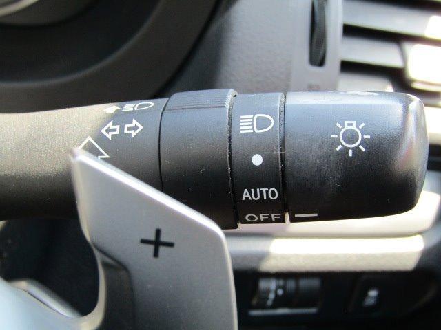 2.0iアイサイト 1年保証付 衝突軽減ブレーキ 走行56千km HDDナビ オートライト HIDヘッドライト CD・DVD再生 ETC クルーズコントロール キーレス 電格ミラー ウィンカーミラー パドルシフト ABS(10枚目)