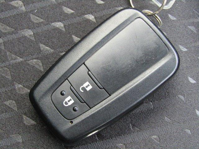 S 1年保証付 LEDヘッドライト メモリーナビ ハイブリッド ドライブレコーダー スマートキー オートライト Bluetooth 地デジTV ETC オートエアコン CD再生 電動格納ミラー(7枚目)