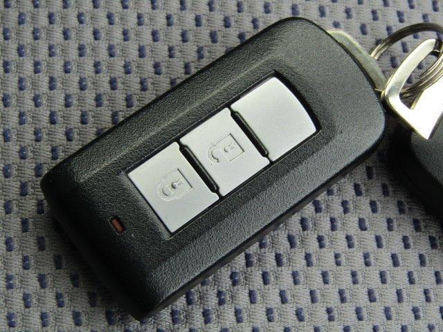 ライダー ハイウェイスター X オーテック 1年保証付 車検令和4年7月迄 エアロ ワンオーナー スマートキー HIDヘッドライト バックカメラ Bluetooth フルセグ ETC アイドリングストップ プッシュスタート(9枚目)