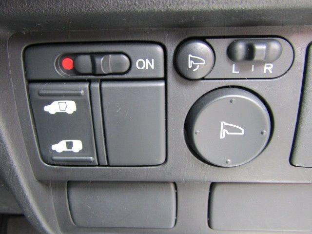 G ジャストセレクション 1年保証付 HDDナビ パワースライドドア バックカメラ オートライト HIDヘッドライト 14インチ社外アルミ スマートキー CD・DVD再生 盗難防止システム 地デジTV オートエアコン ETC(14枚目)