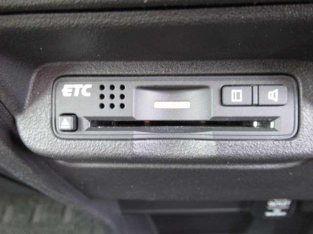 G プレミアムエディション ナビ リアカメラ 後席ルーフモニター DVD再生 CD録音 HIDヘッドライト ETC VSA 両側電動スライドドア スマートキー コンフォートビューパッケージ クルーズコントロール ハーフレザー(17枚目)