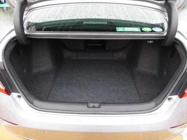 2.0EX ナビ リアカメラ ヘッドアップディスプレイ 4席ヒーター付レザーシート ガラスサンルーフ ワイヤレス充電 サイドカーテンエアバッグ コーナーセンサー LEDヘッドライト・フォグ 18アルミ センシング(9枚目)