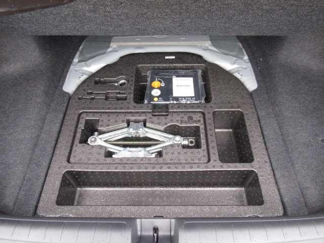 2.0EX ナビ リアカメラ ヘッドアップディスプレイ 4席ヒーター付レザーシート ガラスサンルーフ ワイヤレス充電 サイドカーテンエアバッグ コーナーセンサー LEDヘッドライト・フォグ 18アルミ センシング(10枚目)