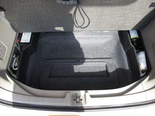 ツアラー・Lパッケージ ターボ ディスプレイオーディオ リアカメラ CD再生 オートエアコン HIDヘッドライト オートライト カーテンエアバッグ VSA クルーズコントロール パドルシフト スマートキー 14インチアルミ(11枚目)
