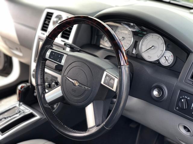 「クライスラー」「クライスラー 300C」「セダン」「静岡県」の中古車12