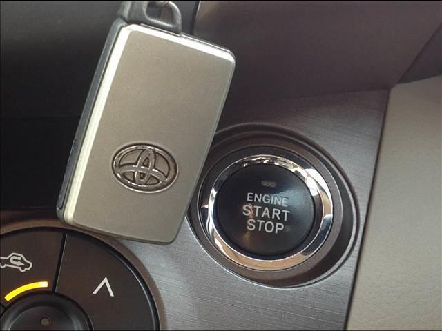 240S Gパッケージ4WD ナビ カメラ HID クルコン(7枚目)