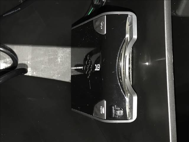 ベースグレード シートヒーター フルセグSDナビ クルーズコントロール スマートキー プッシュスタート パワーウィンドウ パワーステアリング ETC 純正アルミホイール サイドバイザー LEDヘッドライト(7枚目)