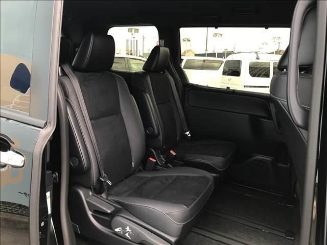 ZS 煌III 新車未登録 両側電動スライド 7人乗りキャプテンシート クリアランスソナー セーフティセンス LEDヘッドライト 専用シート クルコン 純正アルミ ハーフレザーシート(6枚目)