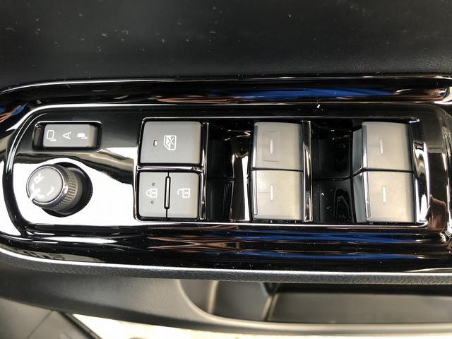 ZS 煌III クリアランスソナー 両側電動スライド 7人乗り LEDヘッドライト クルコン トヨタセーフティセンス ステアリングリモコン 純正16インチアルミホイール ハーフレザーシート(30枚目)