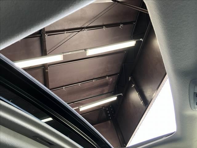 TX Lパッケージ・ブラックエディション 新車未登録 サンルーフ クリアランスソナー 7人乗り LEDヘッドライト 専用アルミ レーダークルーズ ルーフレール パワーシート 本革エアシート(4枚目)