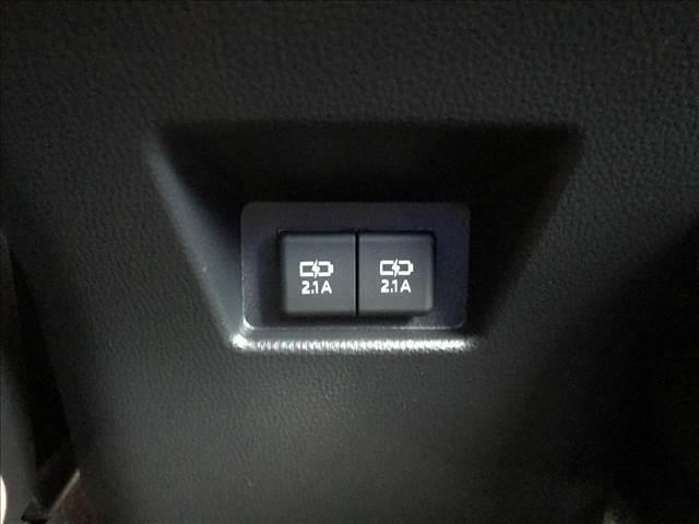 S バックカメラ LEDヘッドライト レーダークルーズ ステアリングリモコン 純正アルミ ウインカーミラ ー ディスプレイオーディオ 新車未登録(8枚目)