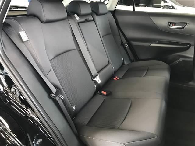 S ディスプレイオーディオ セーフティセンス LEDヘッドライト 電子パーキング レーダークルーズ ステアリングリモコン オートマチックハイビーム 新車未登録(9枚目)