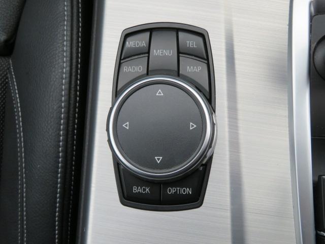 タッチパット付iドライブは使い勝手も進化しておりますよ。
