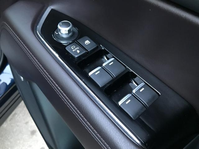 XD Lパッケージ コネクトナビ地デジ 全方位カメラ ブラインドスポット 本革 電動トランク LEDヘッド コーナーセンサー ビルトインETC 6人乗り キャプテンシート ディーゼルTB(32枚目)