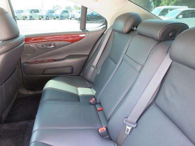レクサス LS LS460 Iパッケージ 黒革 サンルーフ 社外エアロ